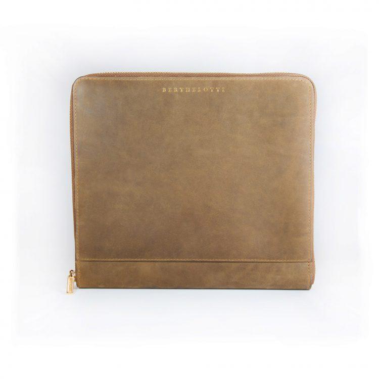 wallet Joslyn