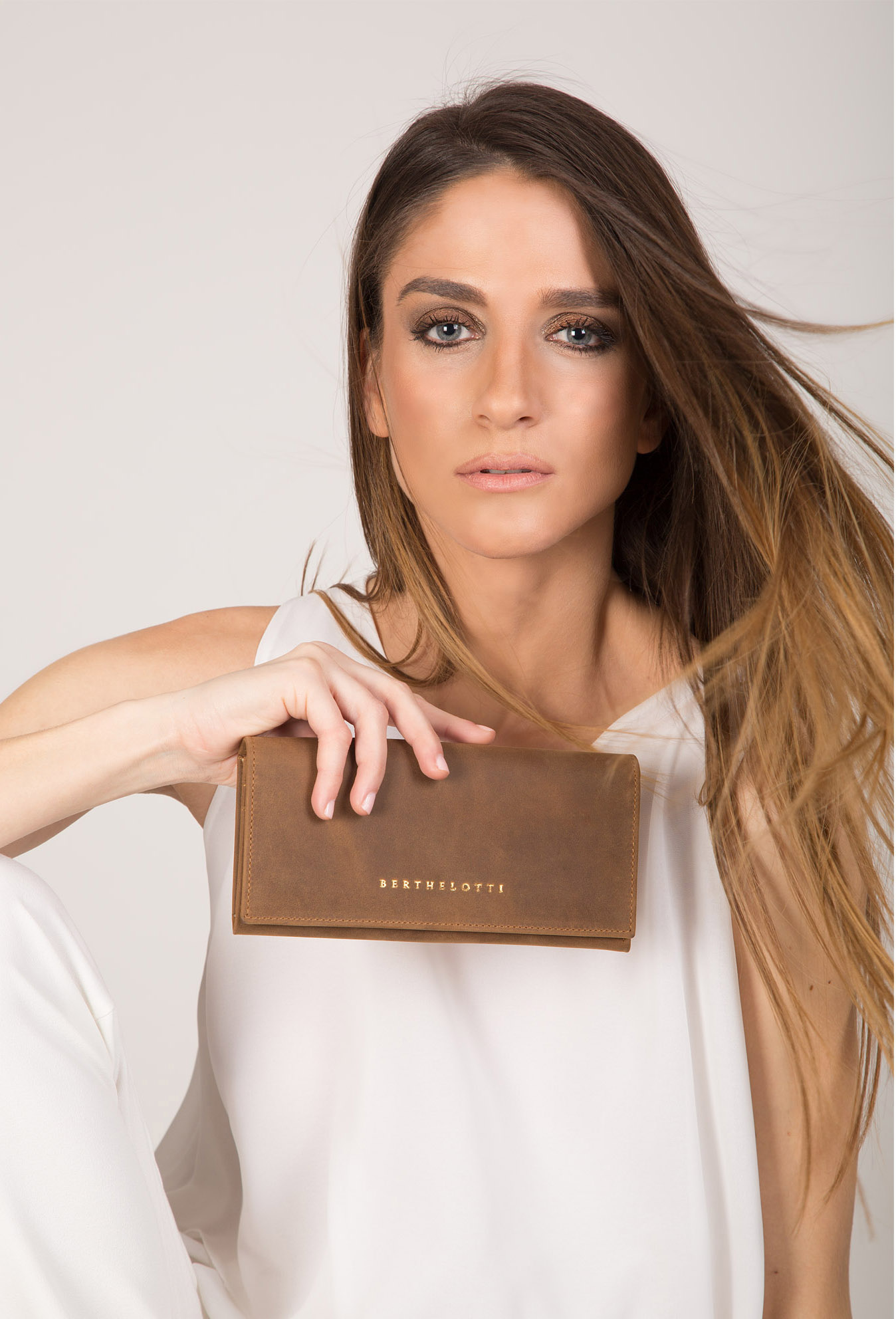 cecily-wallet-women-light brown leather-